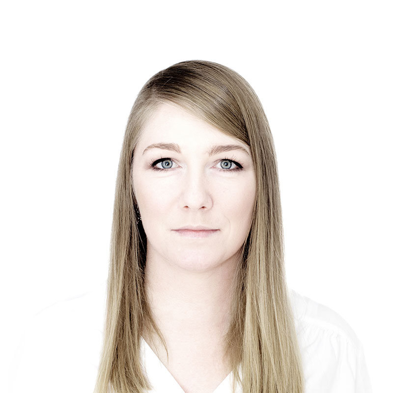 Sandra Thoms, Senior Grafik Designerin